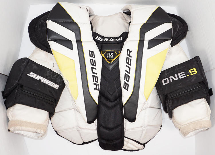 Bauer One 9 Intermediate Large Chest Arm Pad Protector Ice Used
