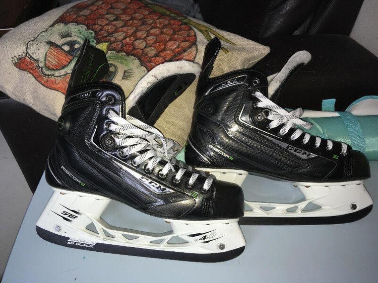 c31582538a1 CCM RibCor 48K Pump Skates Senior Size 9.5