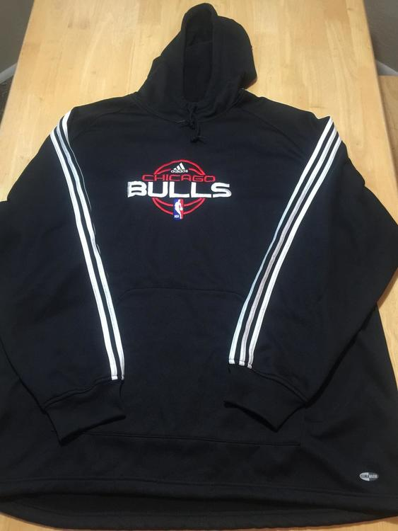 Chicago Bulls Adidas NBA Size XXL NBA Fusion Clima Warm PULLOVER Hoodie!