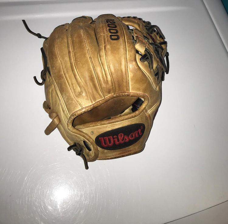 Wilson A2000