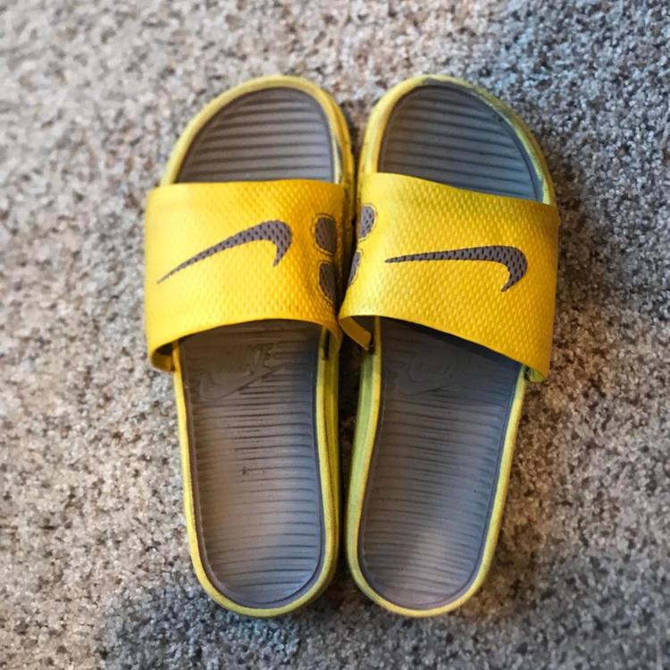 b985d118b Nike Slides
