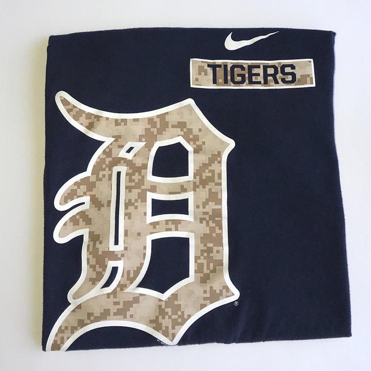 new concept 981f3 c7201 Nike Detroit Tigers T-Shirt (S)