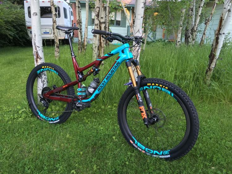 785259d6220 Rocky Mountain 2018 Altitude (Nice build, excellent condition)   Bikes  Complete Bikes   SidelineSwap