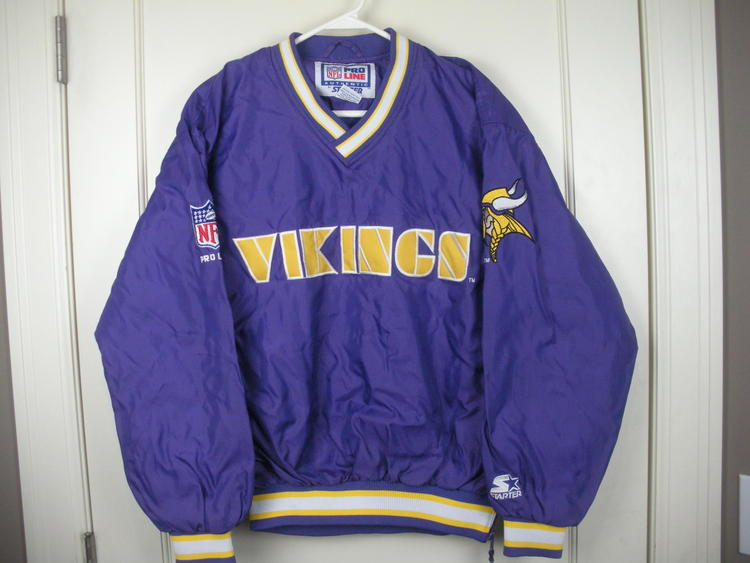 new arrivals e5ef1 7979e Vintage Minnesota Vikings Starter Pullover Jacket Coat Adult Size: S