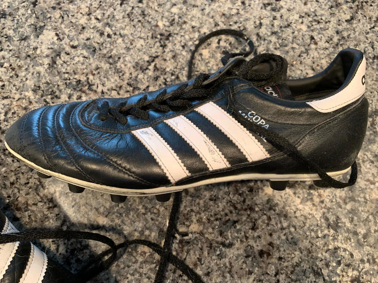 Adidas Copa mundial Size 9   Soccer