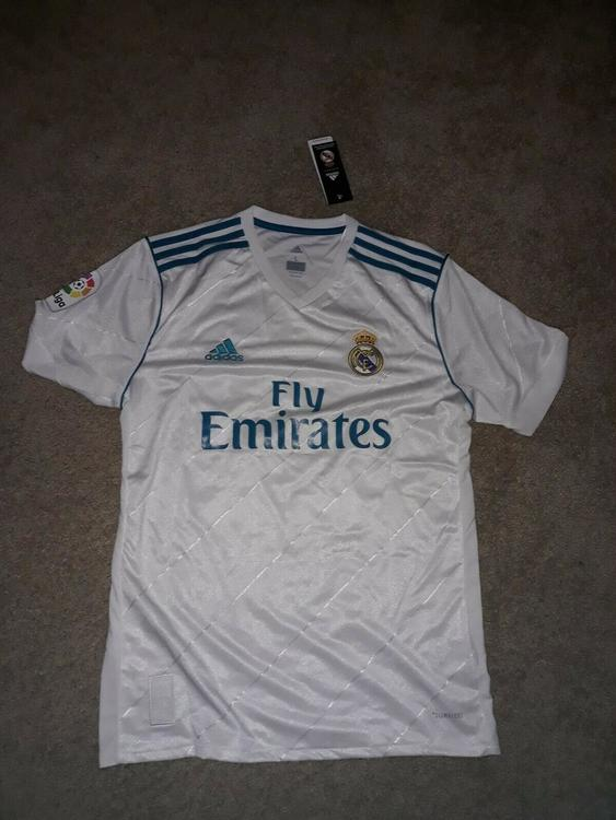 huge selection of 97e5d a0074 2016/17 Adidas Real Madrid Jersey Isco #22