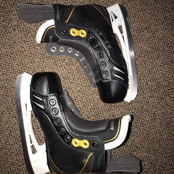 Bauer Supreme One 6 Youth Skates Size 13 D