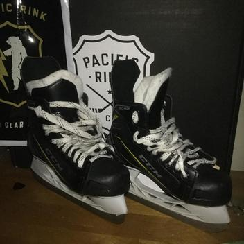 78d81b56aef CCM Tacks 9042 Skates Junior Size 4