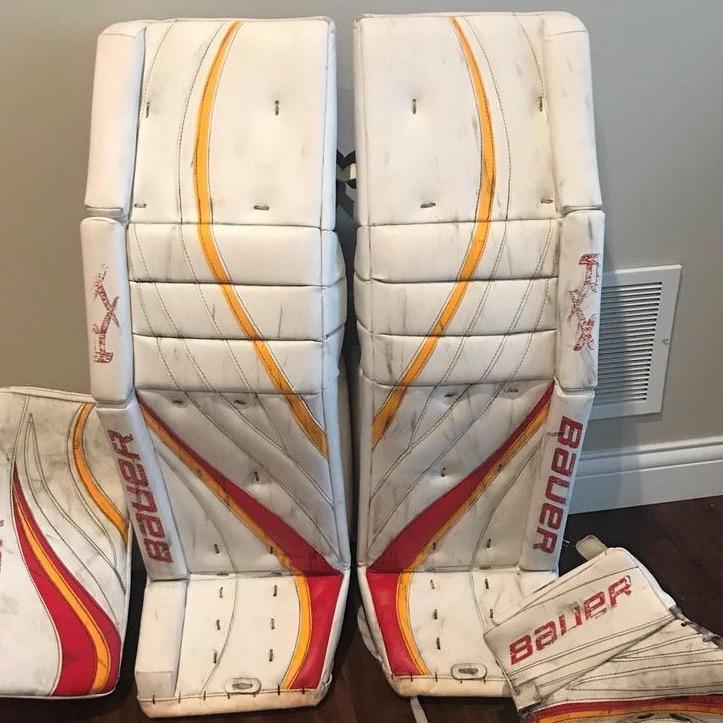 Pro Stock Custom Bauer Rx10 goalie set pads, glove and blocker (NCAA Ferris  State)
