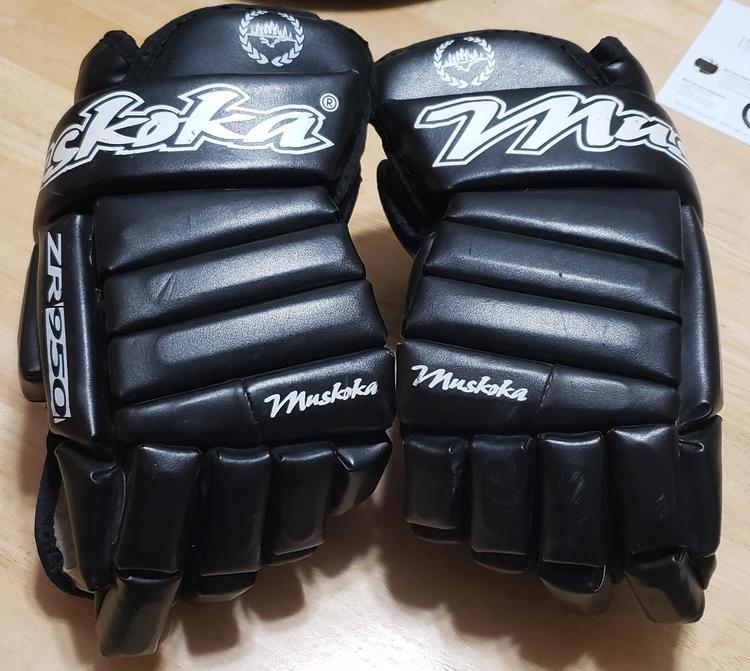 Muskoka ZR859 Hockey Gloves Senior