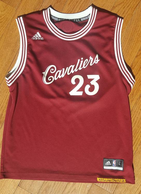 Lebron James adidas christmas jersey