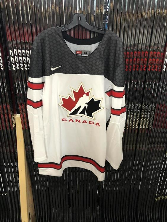 pretty nice 67f6c 99aab Canada Nike Olympic Replica Adult Hockey Jersey (2018) Small