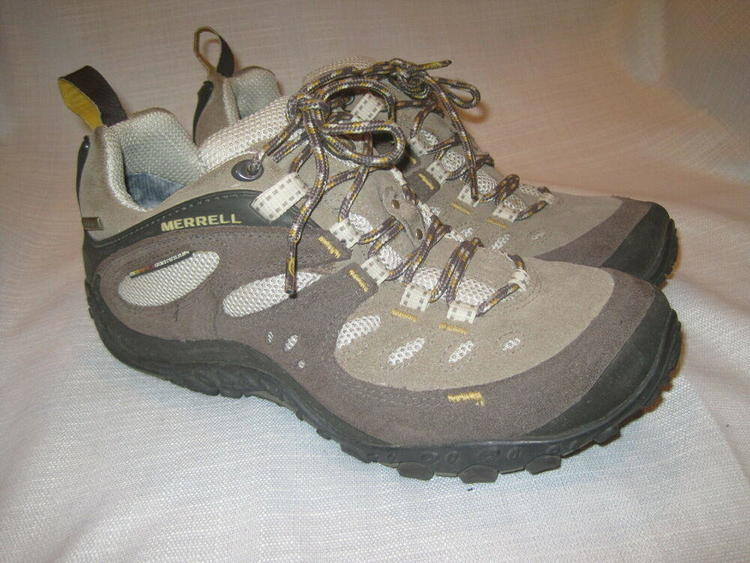 2b0bb236247b5 Merrell Chameleon Arc Gore-Tex XCR Hiking shoes women's 9.5 brown trail