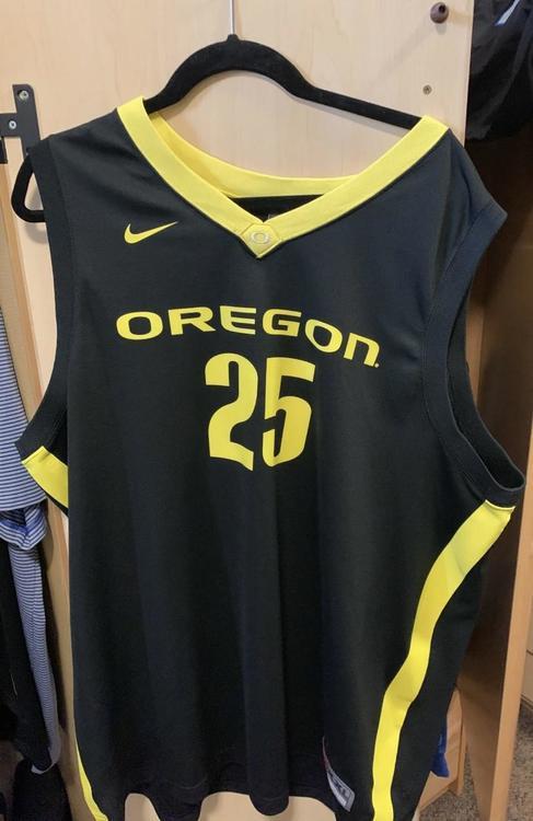the latest d529a 54312 Oregon Ducks Basketball Jersey