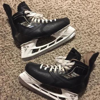 a883ecc3754 Hockey Gear   Equipment