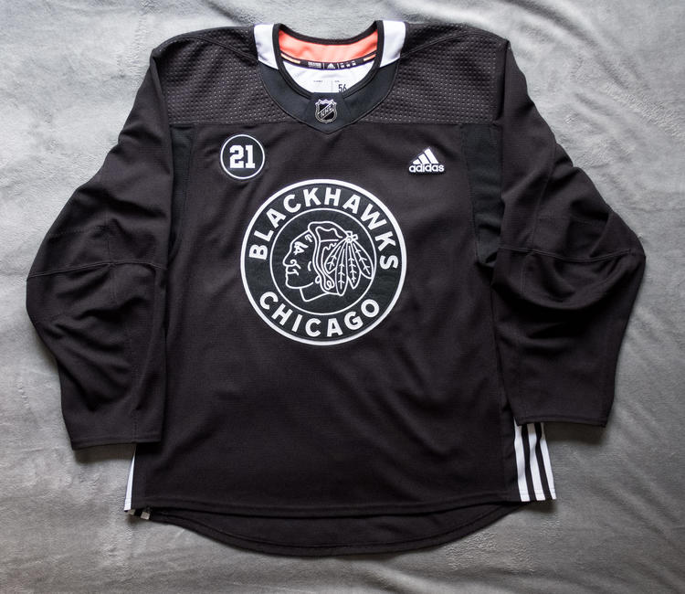 half off fbc66 7cd8e Chicago Blackhawks Winter Classic Practice Jersey Adidas Made in Canada  Size 56