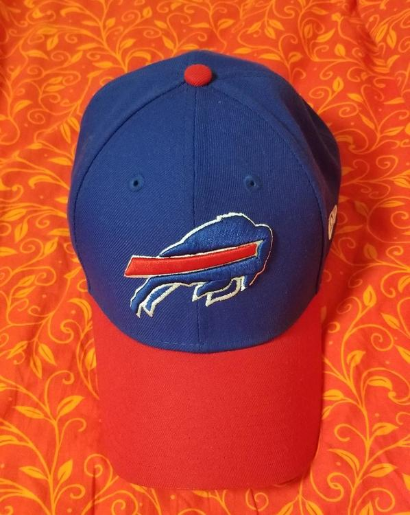 9c32d225 Men's Buffalo Bills New Era Royal The League 9FORTY Adjustable Hat ...