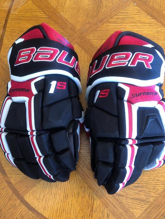 Bauer Supreme 1s Gloves Related Items