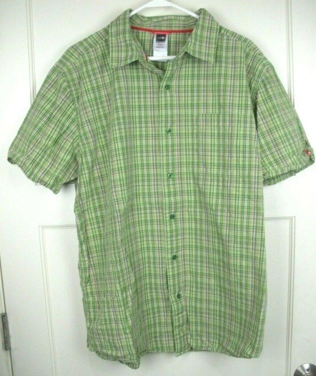 d4af8758c The North Face Short Sleeve Button Up Shirt Green Checked Men's Size: XL