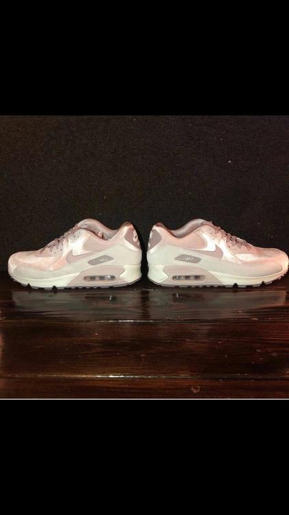 sale retailer 930a2 85ed1 Nike Air Max 90 Particle Rose. 10.5M. 12W