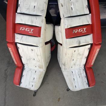 CCM Premier R1 5 Leg Pads Junior | SOLD | Hockey Goalie