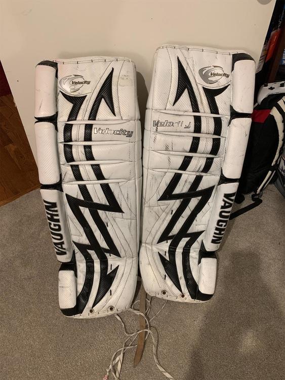 Vaughn Velocity V3 7500 34 1 Leg Pads Hockey Goalie