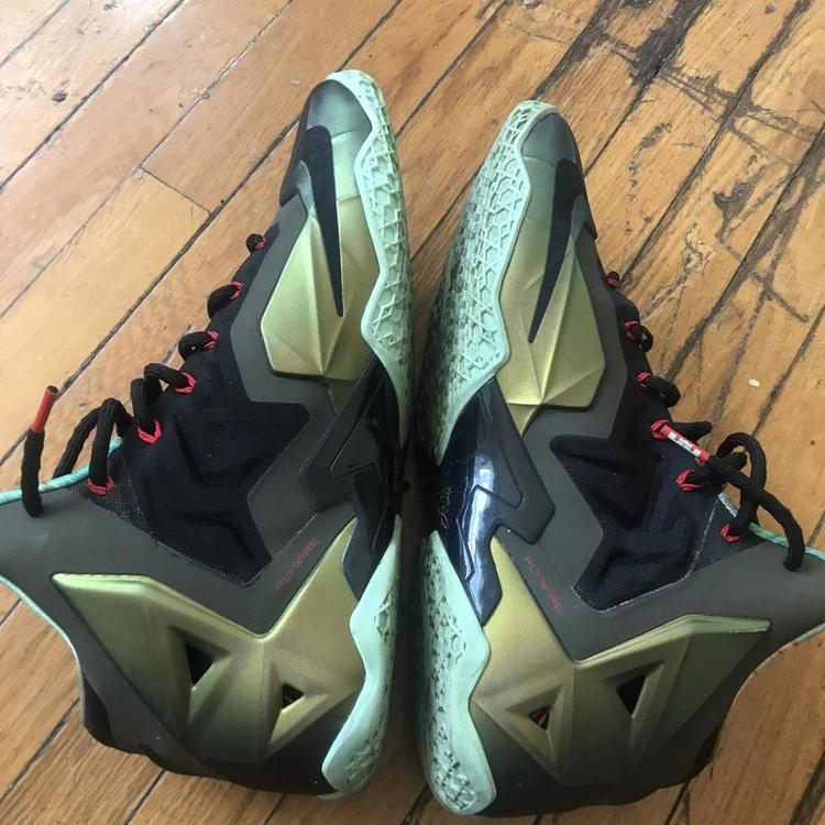 best website 25593 6e3c0 Nike Lebron 11 Kings pride