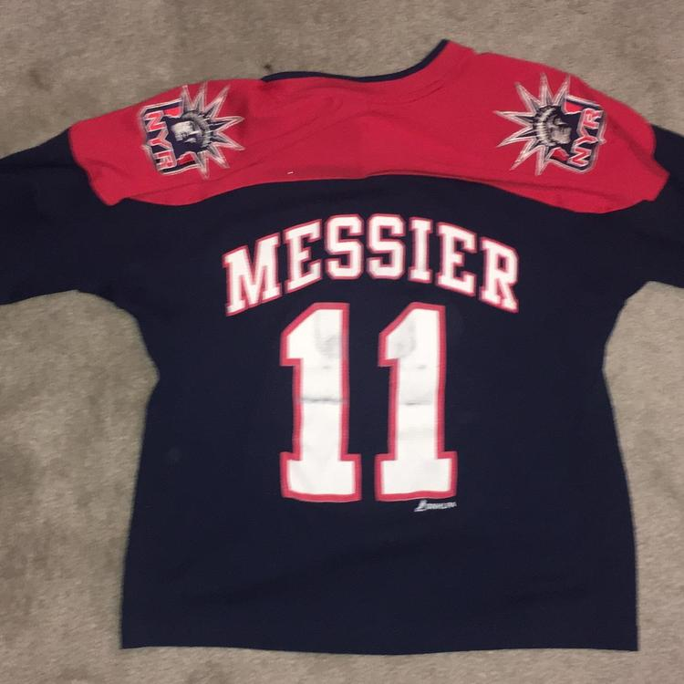 big sale dca2f d5194 Used Mark Messier New York Rangers Jersey