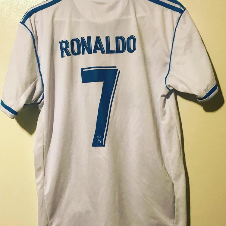 wholesale dealer b1299 ac4e7 Cristiano Ronaldo Real Madrid 17/18 Home Jersey