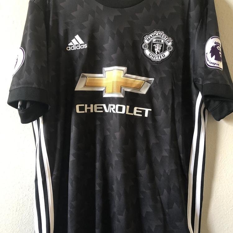 wholesale dealer 1f06c 2a6fe Manchester United Alexis Sanchez Jersey