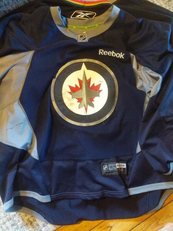 more photos 62fa6 6a0db Winnipeg jets practice jersey