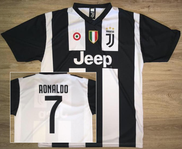 competitive price 4f0a3 53712 (Medium) Cristiano Ronaldo / Juventus Jersey