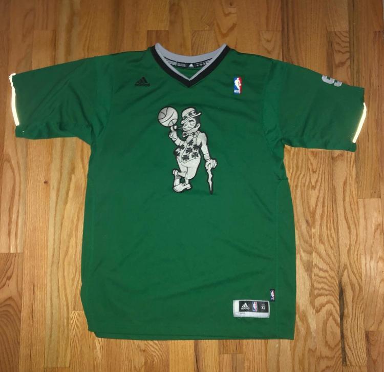 detailed look 1f1bd 1ba8c Rondo Celtics Christmas Jersey