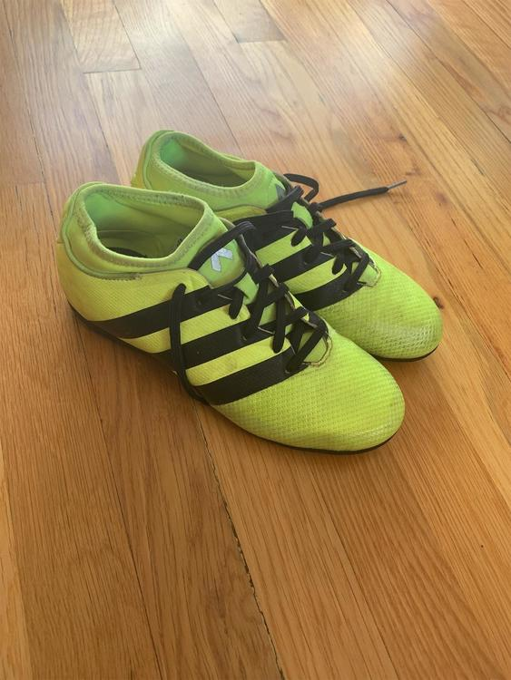 best sneakers 9c1e9 7a845 Adidas Ace 16.2 Soccer Turf Shoes Youth Size 5