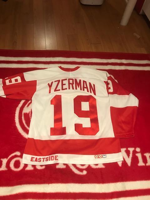 wholesale dealer 5ac29 66746 Steve Yzerman Eastside Detroit Red Wings jersey