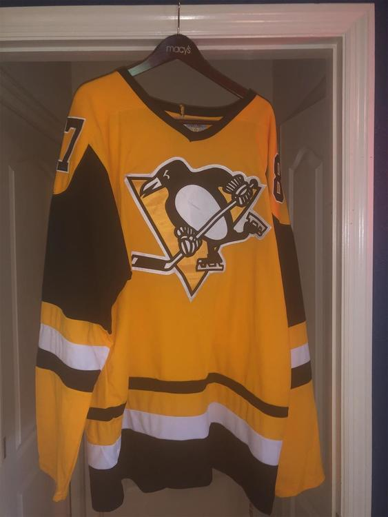 separation shoes 01075 63ee6 Vintage CCM Pittsburgh Penguins Crosby Jersey