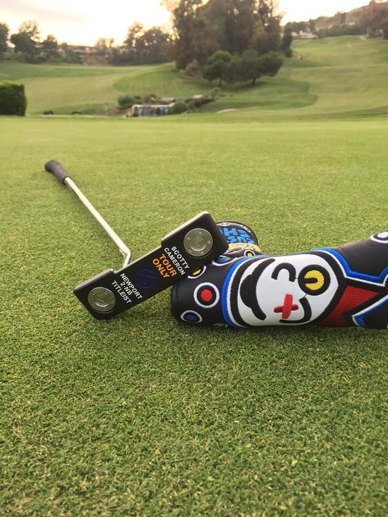 Scotty Cameron Black And Blue Circle T Newport 2 Right-handed 35