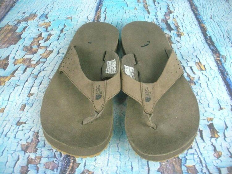 0d3cc565c The North Face Beige Flip Flops utdoor Cushioned Thong Sandals Men's Size: 8