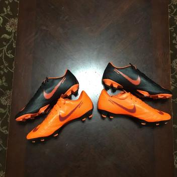 d0f33a074 Soccer Gear | Buy and Sell on SidelineSwap