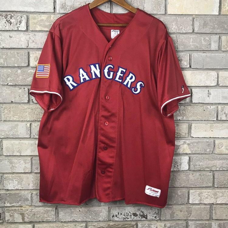 online store bd043 a1ef2 Vintage Texas Rangers MLB Baseball Mens Large Southland Red Jersey USA  Majestic