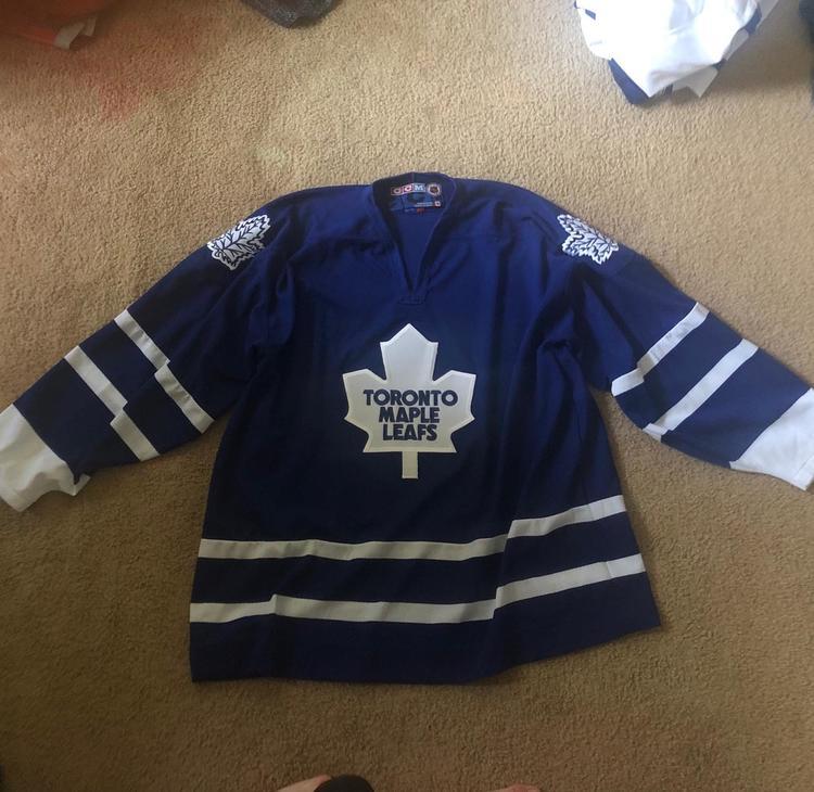 wholesale dealer ce60b 30c88 Toronto Maple Leafs Jersey