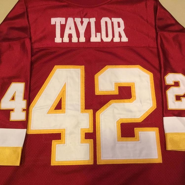 official photos 94fb2 55de2 Mitchell & Ness 1977 Washington Redskins Charley Taylor Throwback Jersey