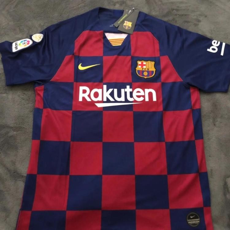 new styles 8af11 e816b New Barcelona Messi Home Jersey-Large, With Emblems