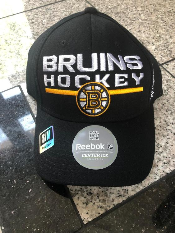 new concept c825f a66cd New Reebok Boston Bruins Center Ice Fitted Hat S/M