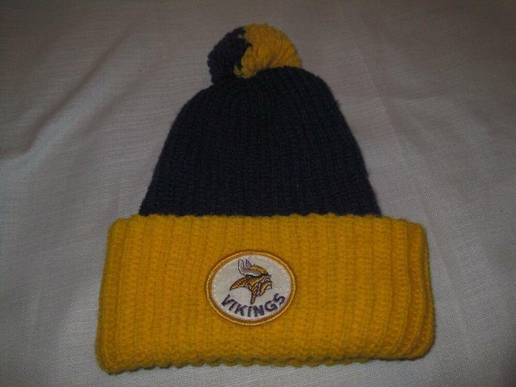 d1ee7d8b Vintage 1970s Minnesota Vikings Football Knit Winter Hat Purple