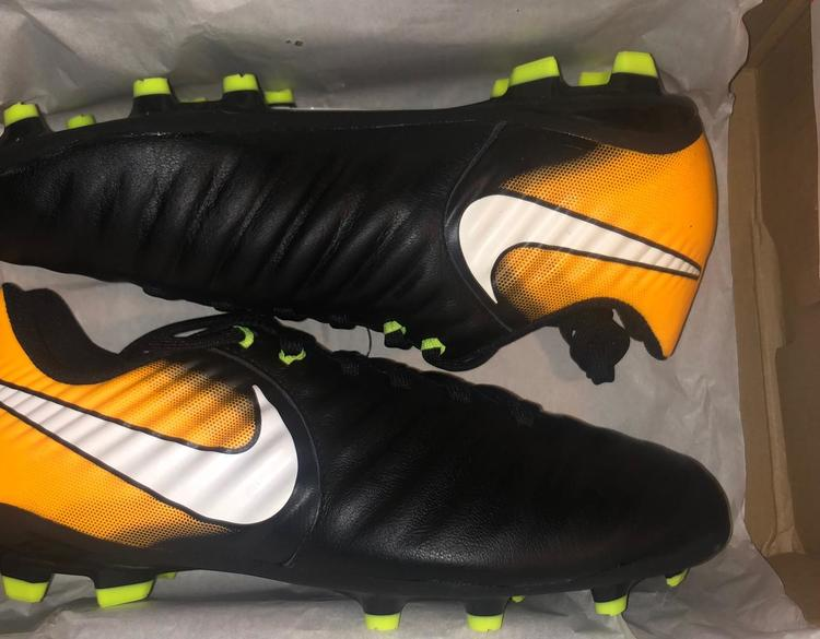 brand new 8cc50 a639b Nike JR Tiempo Legend Leather new soccer cleats 4 4Y 2.5 2.5Y