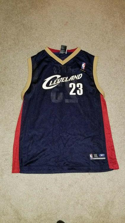 the best attitude ca68a 3252b REEBOK CLEVELAND CAVALIERS LEBRON JAMES THROWBACK JERSEY YOUTH XL Extra  Large