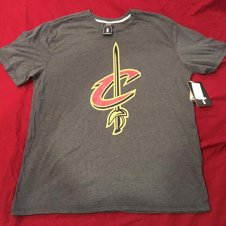 huge selection of afe9b e3019 Cleveland Cavaliers UNK NBA Basketball XXL T-Shirt New