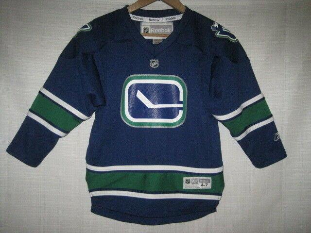 competitive price 6616a 24fb1 Vancouver Canucks Reebok Hockey Jersey kids boys 4-7 blue Johnny Canuck