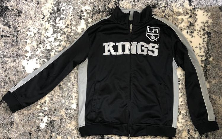cheap for discount 395f4 256ac Youth Large LA Kings Zip-Up Jacket